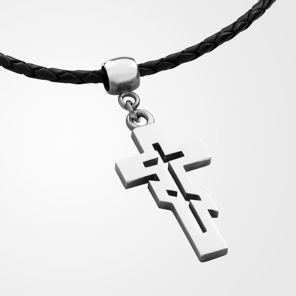 Orthodox cross pendant in a braided leather, shiny