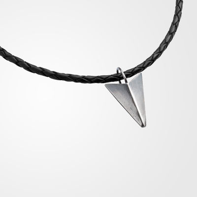 Aim, pendant in a braided leather